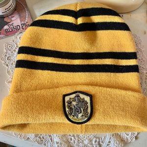 Hufflepuff knit hat